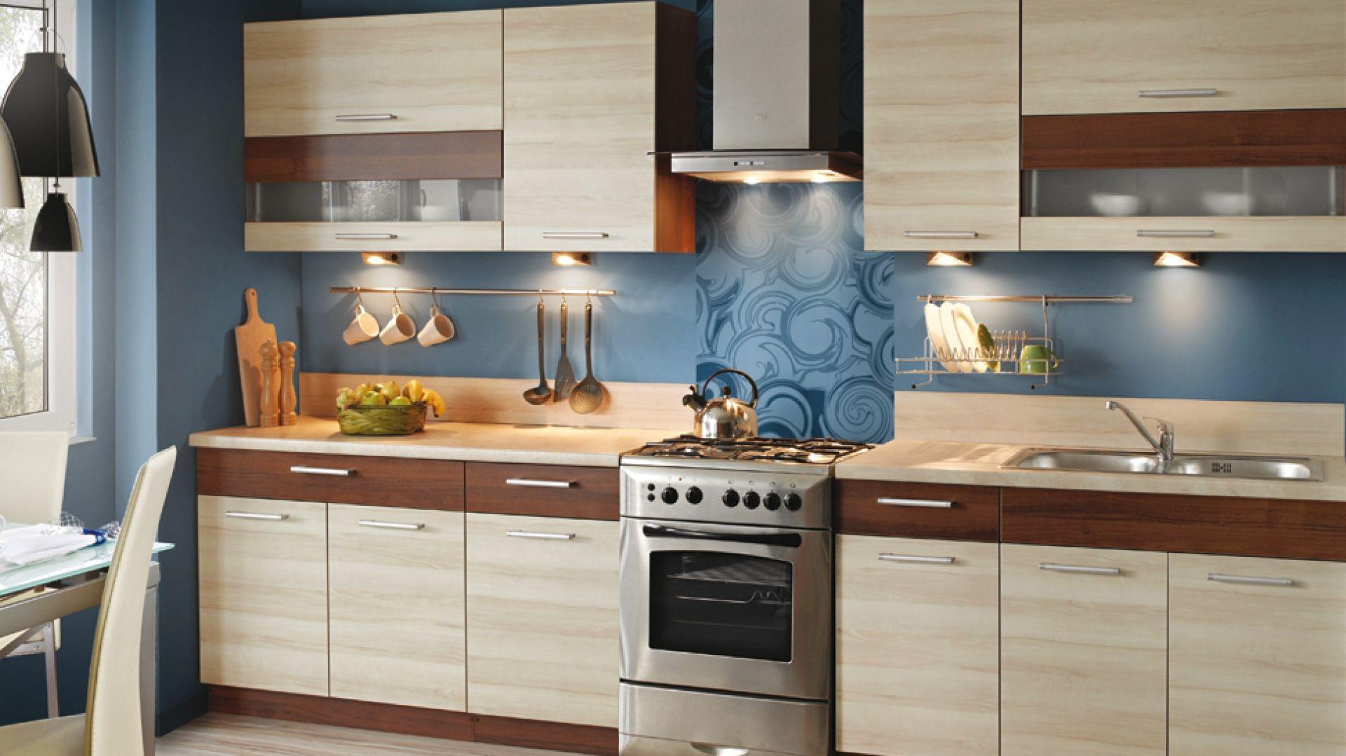 Kuchnia inspirowana rysunkiem drewna z drzew owocowych: orzech z gruszą. Fot. KAM Kuchnie
