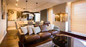 W rzeszowskim mieszkaniu nowoczesność ma bardzo ciepłą i przytulną odsłonę. Architekci połączyli materiały o różnych temperaturach i fakturach, tak by uniknąć niepożądanego wrażenia chłodu i sterylności.