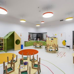 Aranżacja przestrzeni dla najmłodszych wymaga nie tylko wielu ciekawych pomysłów, ale również opracowania ich z wysoką starannością. Fot. Malbud1