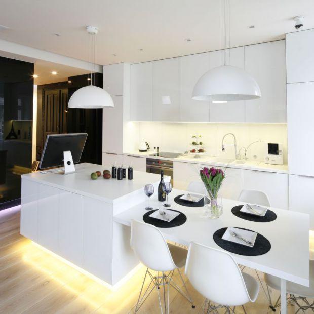 Biała kuchnia: 15 modnych wnętrz