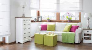 Jak urządzić mieszkanie stylowo, a nie jedynie sterylnie wykorzystując kolor biały? Czy z białym można przesadzić? Podpowiadamy jak stworzyć niepowtarzalną aranżację za pomocą tego koloru.