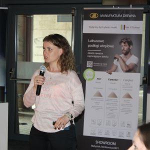 Agnieszka Golub, reprezentująca markę Ruke, opowiedziała o nowych technologiach i możliwościach nowoczesnych luster