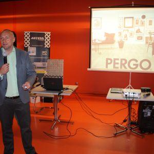 Tomasz Kwarta, reprezentujący firmę Unilin Poland przybliża ofertę marki podłóg Pergo