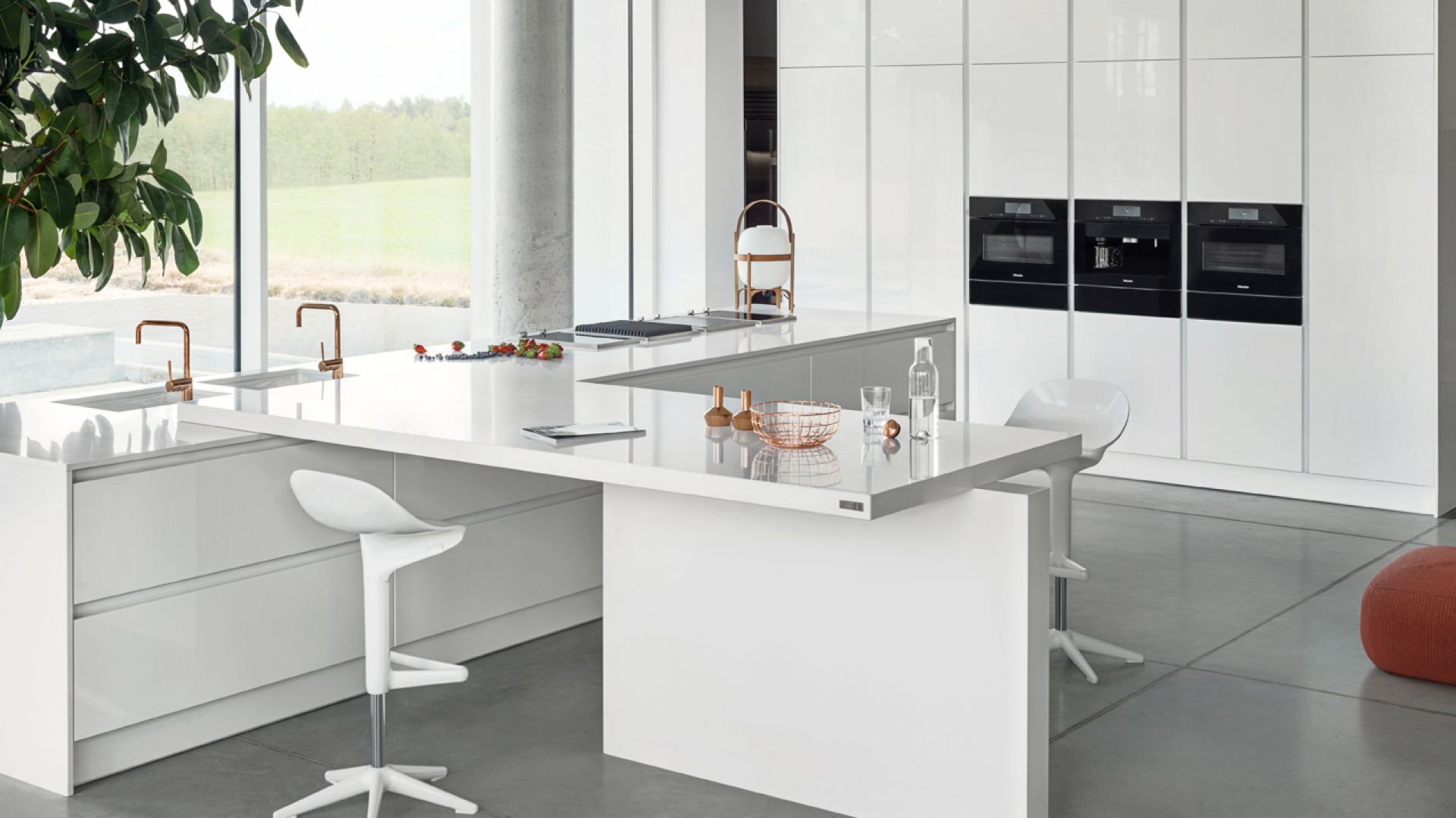 Nowoczesna biała kuchnia - model Z1. Fot. ZAJC Kuchnie