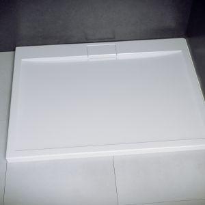Brodzik Axim z odpływem McAlpine/Besco. Produkt zgłoszony do konkursu Dobry Design 2018.