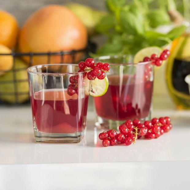 Zdrowa kuchnia: robimy domowe kompoty i napoje