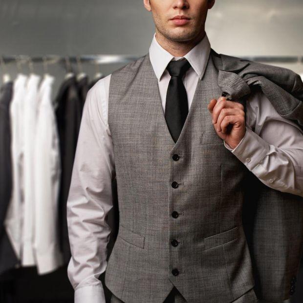 Szafa w męskim stylu: radzimy, jak urządzić garderobę