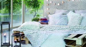 Zobacz niesamowiciebarwną kompozycję aranżacji, które jesienią oraz zimą zainspirują w urządzaniu jadalni, salonu i sypialni. Odmień mieszkanie modnymi tkaninami i akcesoriami.