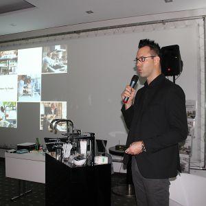 Kompletny system kuchenny Frames by Franke przybliżył uczestnikom Rafał Derecki, produkt manager marki Franke, partnera głównego Studia Dobrych Rozwiązań we Wrocławiu