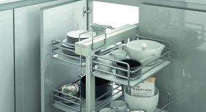 Funkcjonalny system narożny z czterema wysuwanymi koszami. Optymalne wykorzystanie miejsca w połączeniu z przejrzystością i komfortem. Produkt zgłoszony do konkursu Dobry Design 2018.
