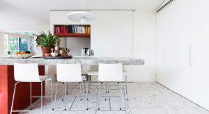 Najbardziej uniwersalny, najczystszy i absolutnie neutralny - kolor biały w kuchniach czuje się świetnie. Od lat niepodzielnie króluje w domach i mieszkaniach Polaków.