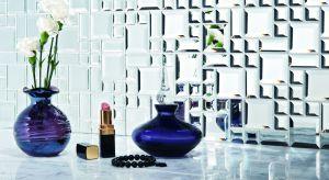 Mozaika lustrzana swoją wytwornością przypomina estetykę lat 20. i wszechobecne ówcześnie kryształowe żyrandole.Produkt zgłoszony do konkursu Dobry Design 2018.