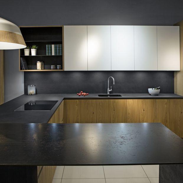 Kuchnia z charakterem - postaw na elegancką czerń