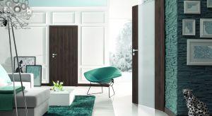 W produkcji drzwi wykorzystano innowacyjną technologię polegającą na pokryciu powierzchni skrzydeł wysoko skompresowaną płytą Gladstone o bardzo drobnej strukturze włókien. Produkt zgłoszony do konkursu Dobry Design 2018.