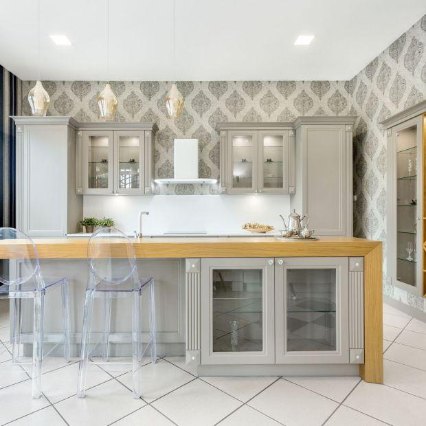 Ściany w kuchni. Wypróbuj płynne tapety