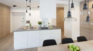 Musi być ładnie, minimalistycznie, funkcjonalnie i komfortowo. Kuchnia w stylu nowoczesnym musi mieć to coś. Właściwie codziennie dokonujemy wyborów, tworząc unikalne przestrzenie.