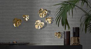 Liście palm na printach i żywe monstery królują we wnętrzach od początku roku. Trend powstał w opozycji do skandynawskich, pełnych bieli, praktycznych wnętrz. To także renesans mody na żywe rośliny w domu, wśród których gatunki o spektakula
