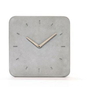 Concrete Clock to minimalistyczny zegar wykonany z betonu. Marka WertWerke. Fot. Dawanda