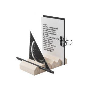Organizer biurkowy Volume 06 idealny na biurko inżyniera, architekta, czy projektanta. Fot. Cinqpoints