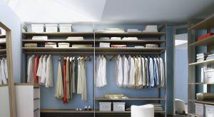 Ergonomicznie zaprojektowana garderoba, pełna pomysłowych, praktycznych udogodnień, to wielki sprzymierzeniec przed wieczornym wyjściem.