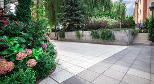 To ostatni dzwonek by zadbać o taras, podjazd i ogród przed nadchodzącym załamaniem pogody. Sprawdź co możesz zrobić, by wiosną śnieg odsłonił betonowe elementy w nienaruszonym stanie.