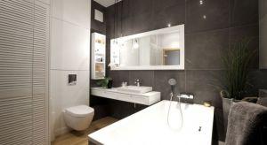 W naszej galerii pokazujemy aż 20 zdjęć szarych łazienek z domów Polaków.