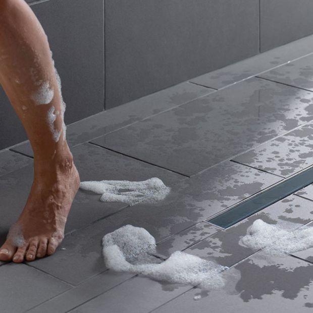 Nowoczesna łazienka - zobacz odpływy ścienne i liniowe