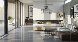 Płytki ceramiczne, drewno a może panele?Jaki materiał wybrać na podłogę w salonie? Zobaczcie najnowsze propozycje producentów.
