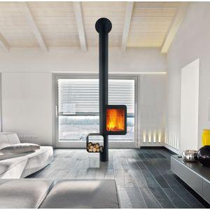 Kominek Grappus marki Focus przystosowany jest do instalacji w domach niskoenergetycznych. Kominek posiada znak Flamme verte, który gwarantuje wysokie parametry grzewcze przy niskiej emisji CO2. Fot. Koperfam