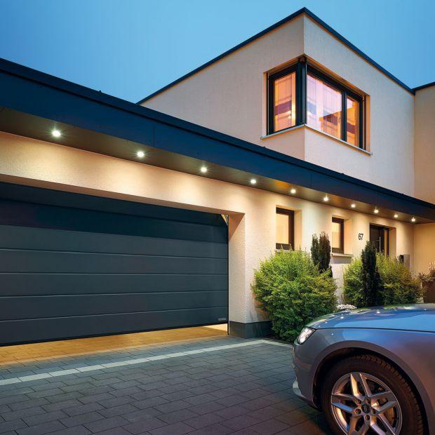 Bezpieczny dom - brama garażowa sterowana radiowo