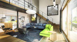 Dom z poddaszem o powierzchni użytkowej 215 mkw cechuje oszczędna forma, świetliste wnętrze, przeszklona witryna ogrodowa, a oprócz tego zielony taras na dachu – wymarzone warunki do życia i realizowania swoich pasji.