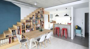 Schody otwarte na salon i stanowiące jego wyjątkową ozdobę czy ukryte w klatce schodowej? Zobaczcie wyjątkowe pomysły z polskich domów.