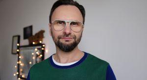 """Projektant wnętrz z zamiłowania, pasji i zawodu, prowadzący program """"Meblokreacje"""" na antenie Domo+ będzie kolejnym prelegentem zbliżającego się Forum Dobrego Designu."""