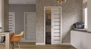 Urządzenie małego wnętrza to nie lada wyzwanie, szczególnie wtedy, gdy ma ono być praktyczne i funkcjonalne. Niewielki metraż często ogranicza możliwości doboru mebli, a czasem nawet i kolorów ścian. Aranżując takie pomieszczenie i poszukują