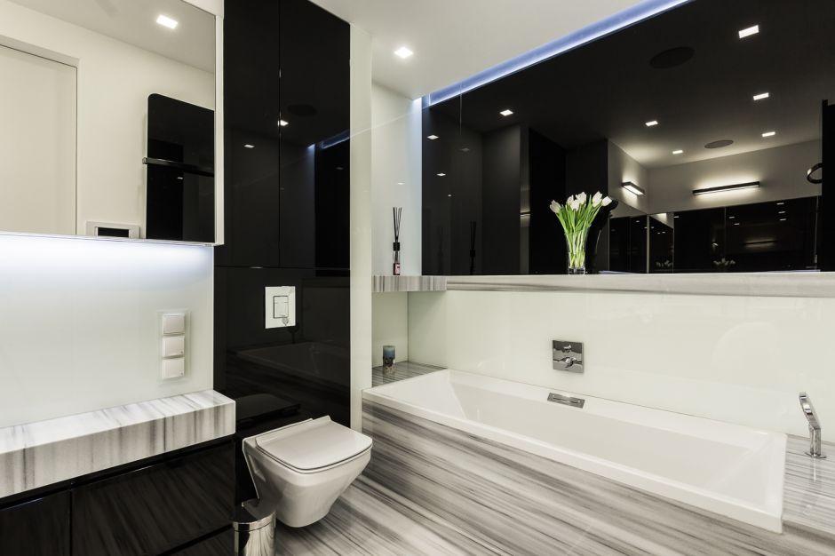 Czarno biała łazienka. Zobacz projekt