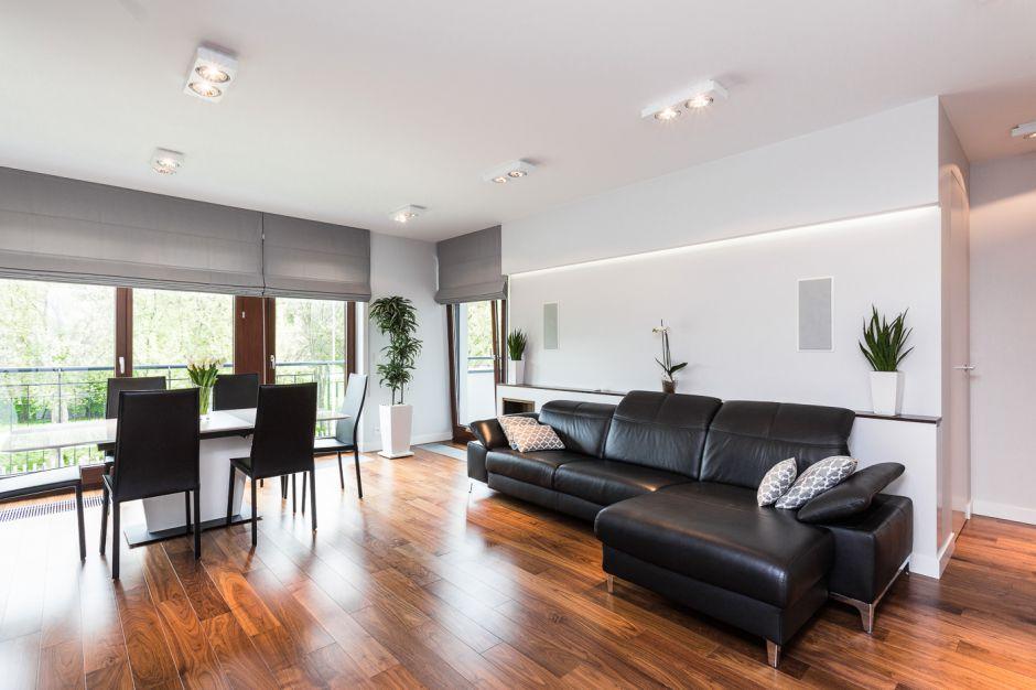 Salon i i kuchnia - mieszkanie na Ochocie