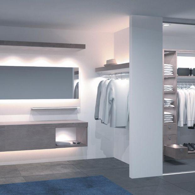 Małe mieszkanie - pomysły do garderoby