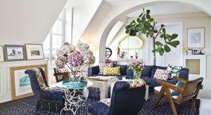 Fioletowa kanapa? Skóra tygrysa? Ryzykowne, ale tutaj działa. Zobaczcie jak mieszkaMarie Peltier, paryska architektka i dekoratorka wnętrz.