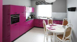 Wszyscy wiemy, że urządzanie kuchni nie jest łatwe. Trzeba wybrać sprzęty AGD, meble, dodatki – a do tego wszystkiego, zadecydować jakie kolory będą miały ściany.