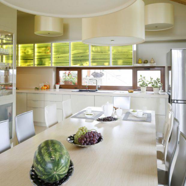 Aranżacja kuchni: 12 kolorowych wnętrz z polskich domów