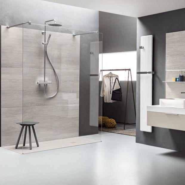 Wybieramy brodzik prysznicowy: zobacz modne modele
