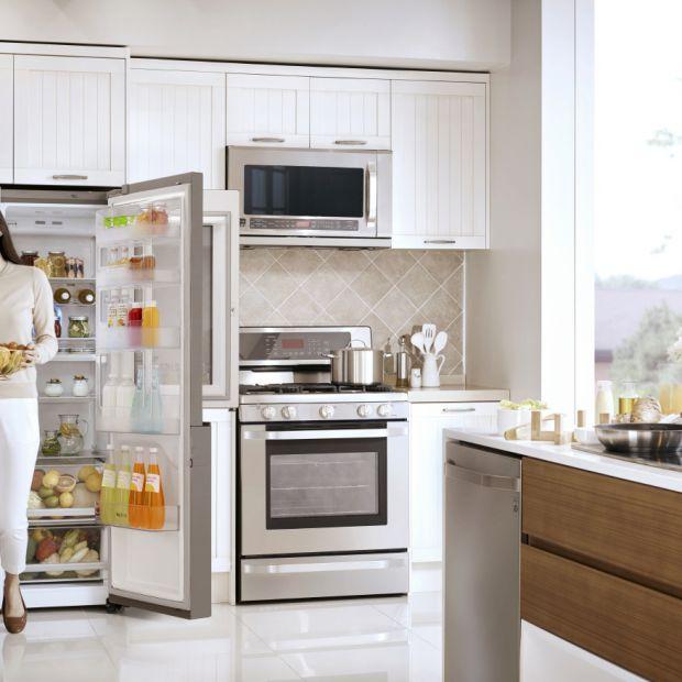 Poznaj 5 zasad czystej i pachnącej lodówki