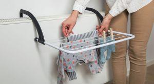 Nie każde pranie to dziesiątki bluzek, spodni, skarpetek i ręczników. Czasem potrzebujemy wyprać kilka sztuk bielizny w ekspresowym czasie. Rozkładanie wielkiej suszarki, która zajmuje pół pokoju, nie ma wtedy sensu. Lepiej skorzystać z alternat