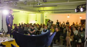 O 9:30 rozpoczęła się V edycja Forum Dobrego Designu. Tym razem w nowej lokalizacji - Domu Towarowym Bracia Jabłkowscy - spotkali się designerzy, producenci, dystrybutorzy i wielbiciele dobrego wzornictwa.