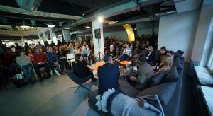 """Dobór i wyjątkowa sztuka łączenia kolorów była przedmiotem sesji """"Barwny dom. Top kolory 2018 roku na tegorocznym Forum Dobrego Designu."""