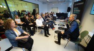 Gość specjalny Forum Dobrego Designu,René Hougaard, designer, właściciel Arde design studio poprowadził podczas imprezy warsztaty dla projektantów, podczas których odpowiadał na pytania uczestników.
