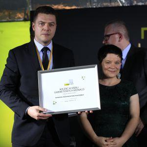Wyróżnienie w kategorii Przestrzeń Pokoju Dziennego za kolekcję mebli gabinetowych Monaco Fabryki Mebli Taranko odebrał Adam Kruger, przedstawiciel handlowy Fabryki Mebli Taranko.