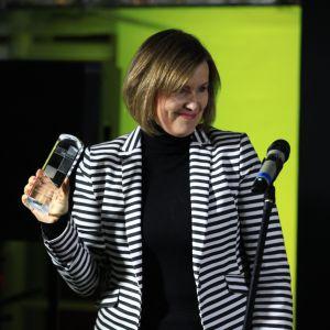 Nagrodę Redakcji za grzejnik Inventio & uchwyty Mua Fi firmy Instal-Projekt odebrała Anna Wochna-Boguś - szef działu marketingu.