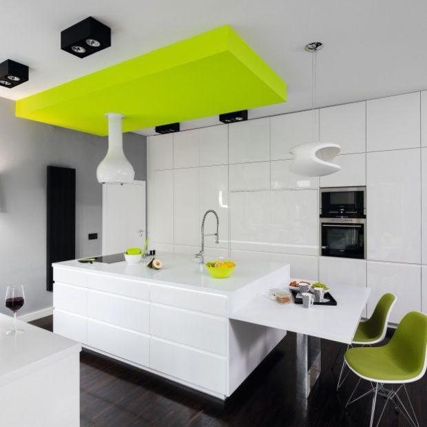Najciekawsze pomysły z białą kuchnia na wysoki połysk