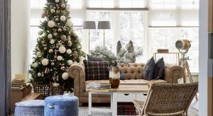 Wykwintne meble same w sobie stanowią ozdobę salonu i podkreślają podniosłą atmosferę. Nie zapominajmy jednak o detalach, które dodatkowo ją wzmacniają.